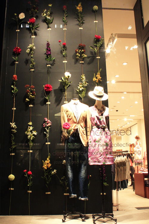 Cfd S Silk Flowers And Boxwood In Spring Retail Store