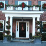 wreaths-garlands-topiaries-frontdoor