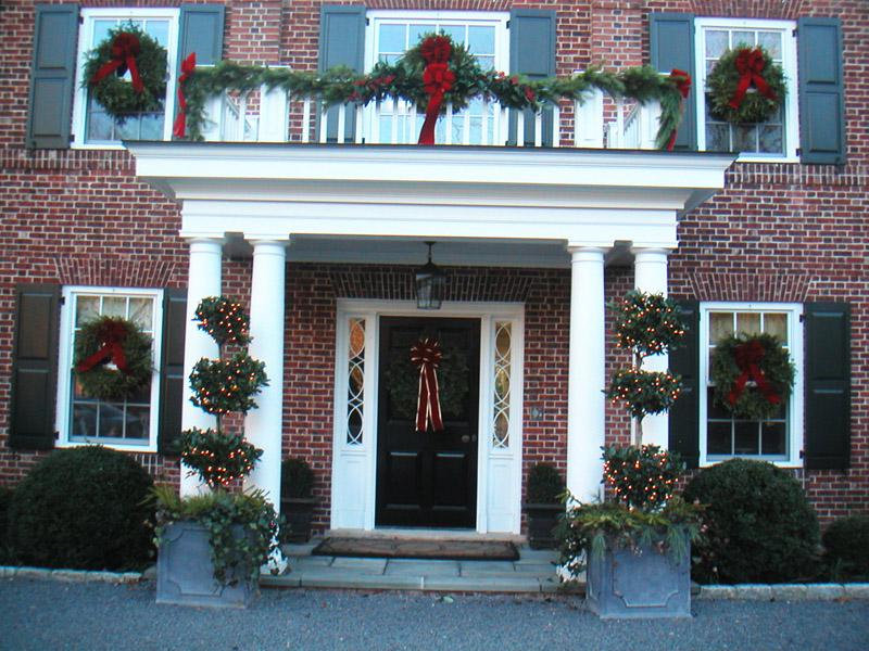 Wreaths Garlands Topiaries Frontdoor